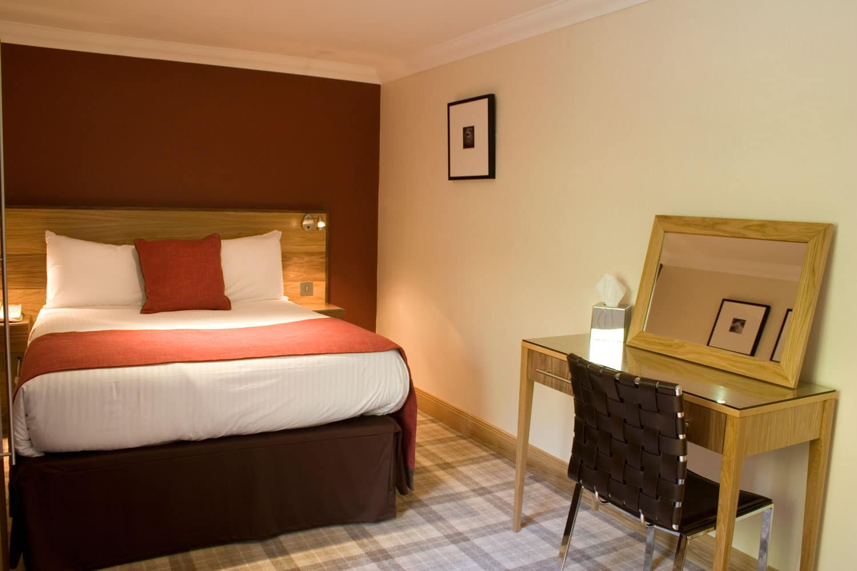 Classic Inn Room
